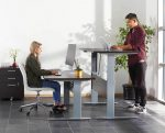 Advantages Of Using A Sit-Stand Desk At Your Workplace